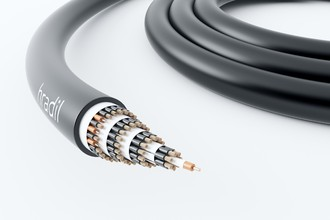 A world première: Four-layer 500 volt drag chain cable with  ... Image 1